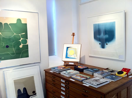 Victor Pasmore exhibition, Wet Paint Gallery